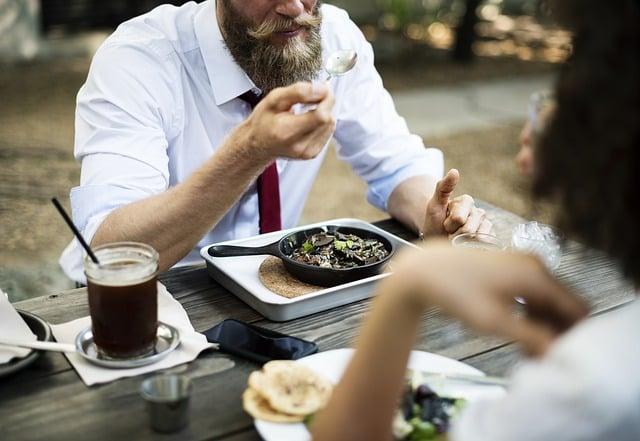 restaurant - ways - to - save - money